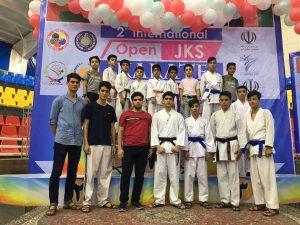 افتخارافرینی کاراته کاهای شهرستان درمسابقات بین المللی استان فارس