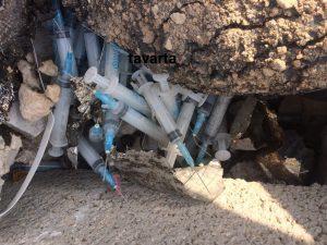 تخلف  زیست محیطی در جم/ رهاسازی زبالههای عفونی بیمارستانی در کنار رودخانه بزرگ جم