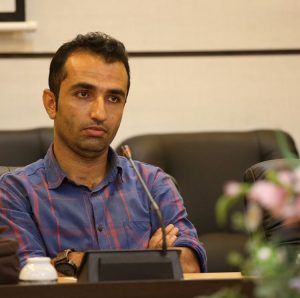 به بهانه نوشتن يك يادداشت و تخريب يك مدير جمهوري اسلامي ايران